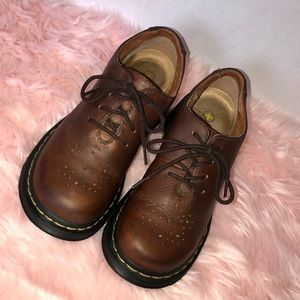 Like new Dr Martens brown leather Mary Janes